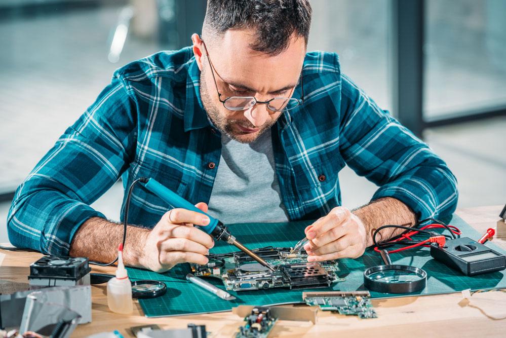 Hardware engineering soldering parts