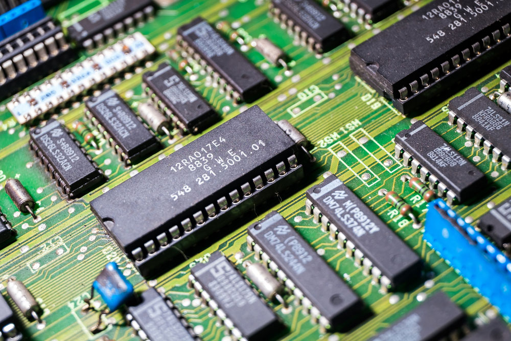 达林顿方案上的高功率晶体管