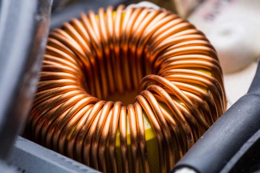 电感器有助于降低电路中的噪声