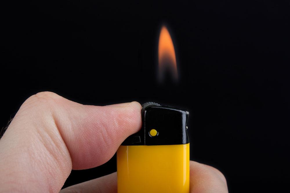 使用压电原理的点烟器